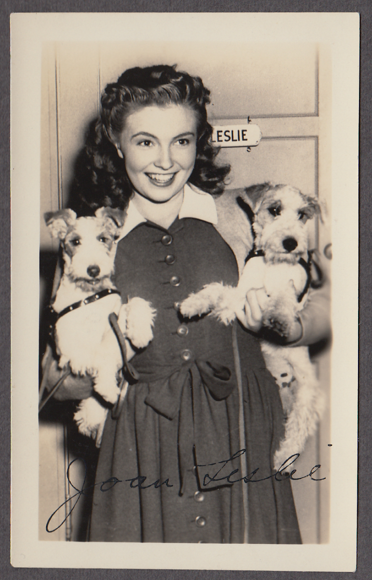 Actress Joan Leslie & her fox terriers fan club photo 1940s facsimile signature