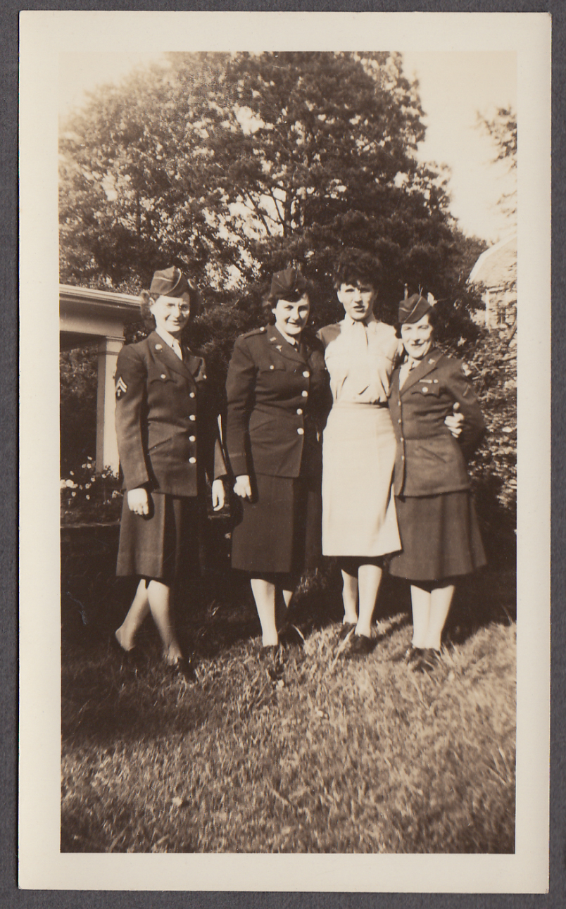 Four unidentified US Army nurses in uniform snapshot photo ca 1946