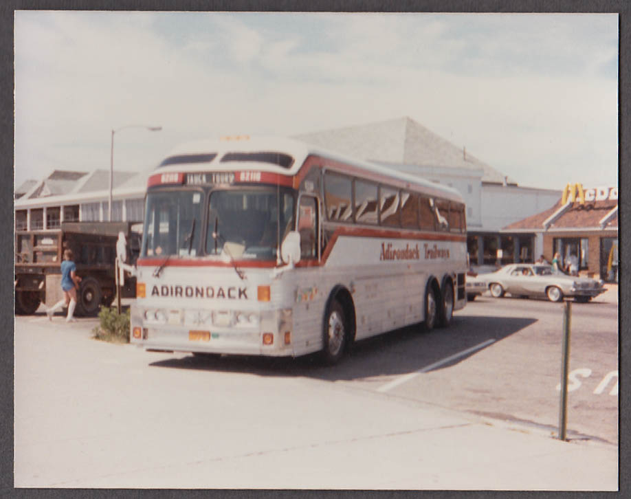 Adirondack Trailways Tauck Tours Eagle #62116 bus snapshot 1986 McDonald's
