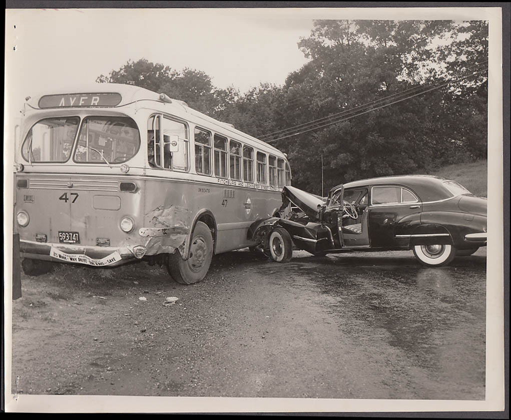 ACF #47 Fitchburg & Leominster Street Ry Bus vs Buick accident photo 1951 #1