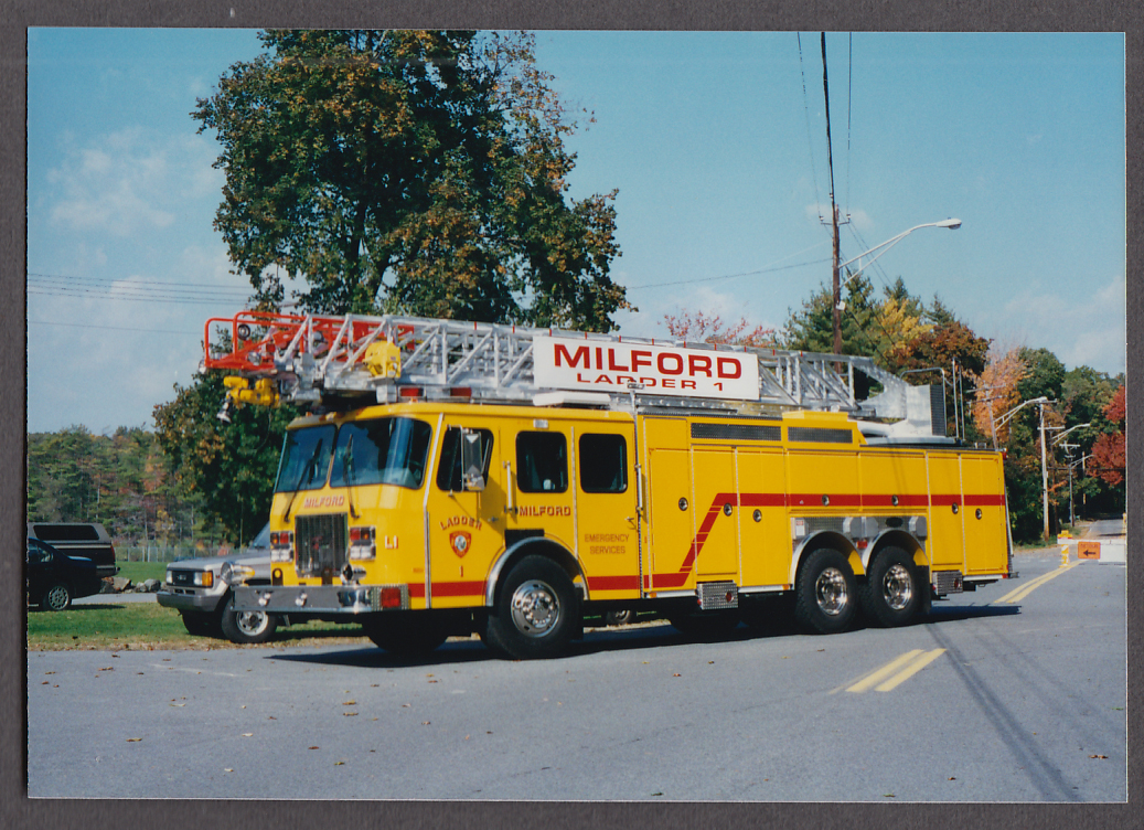 Milford MA FD E-One Tower Ladder Engine #1 fire truck photo left side