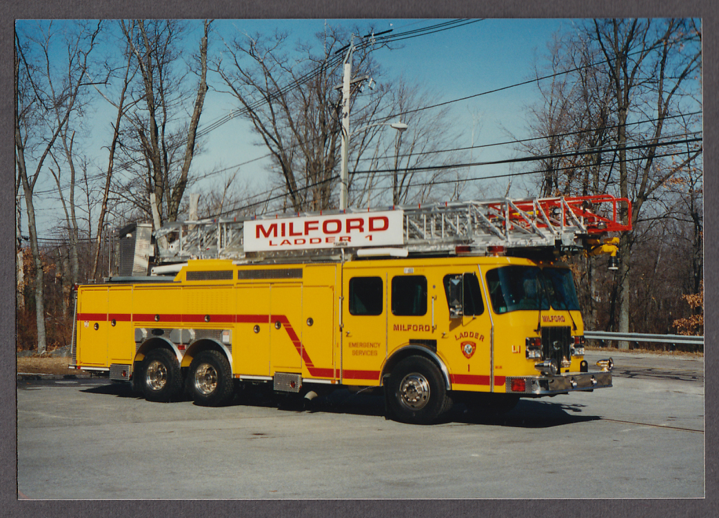 Milford MA FD E-One Tower Ladder Engine #1 fire truck photo right side