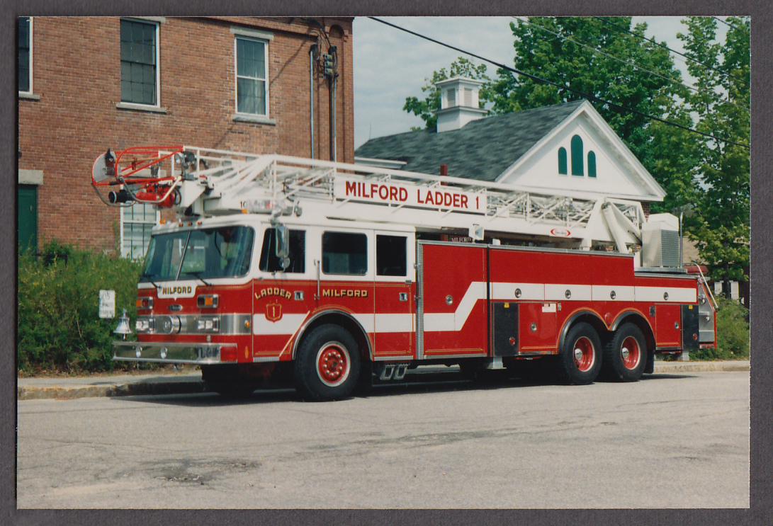 Milford MA FD Pierce Tower Ladder Engine #1 fire truck photo