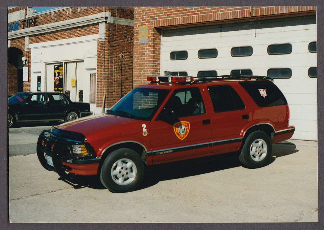 Milford MA FD Chevrolet Blazer Chief's Car #2 fire truck photo