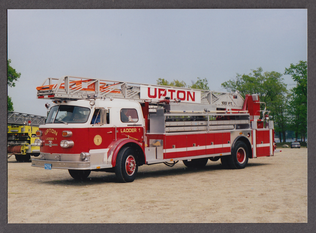 Image for Upton MA FD American LaFrance Tower Ladder Engine #1 fire truck photo