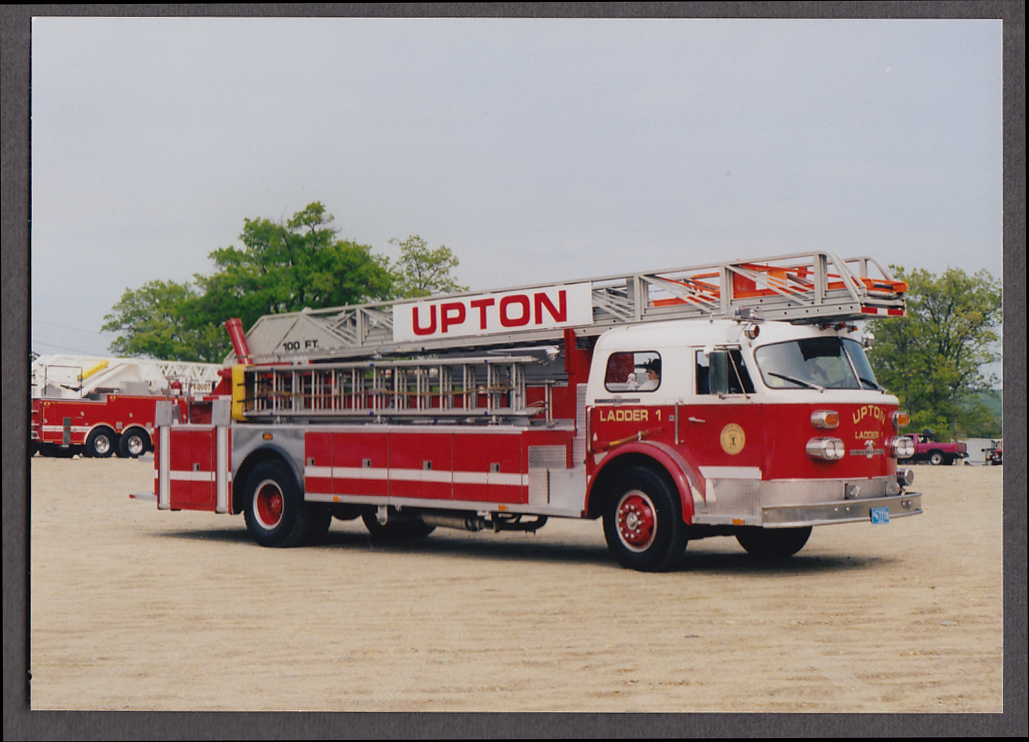 Upton MA FD American LaFrance Ladder Engine #1 fire truck photo right side