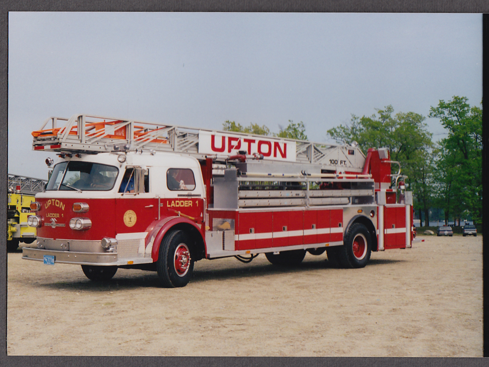 Upton MA FD American LaFrance Ladder Engine #1 fire truck photo left side