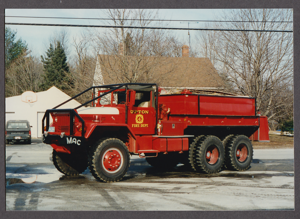 Upton MA FD Mack Engine #4 fire truck photo