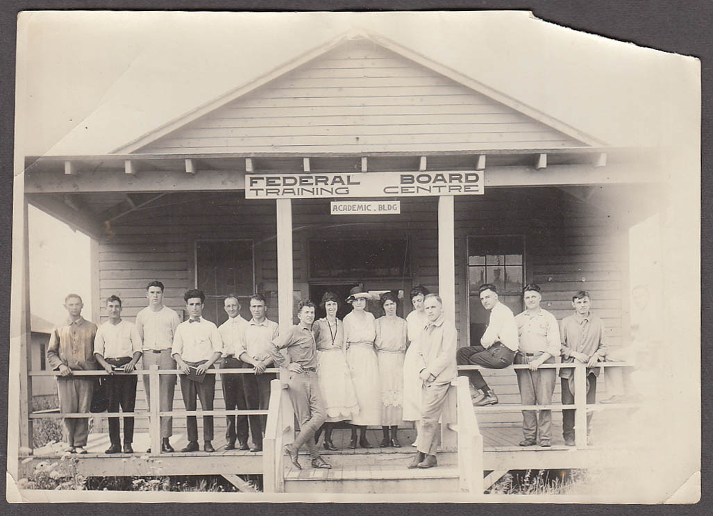 15 folks at Federal Board Trainign Centre Academic Bldg photograph ca 1930s