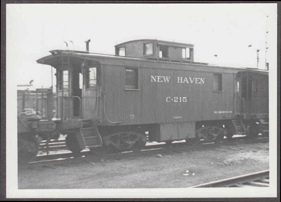 New York New Haven & Hartford RR Caboose #C-215 photo 1947