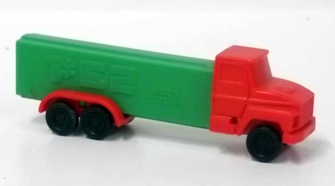 PEZ dispenser Green & red 6-wheel truck 3.9 Made in Yugoslavia R1 on left door