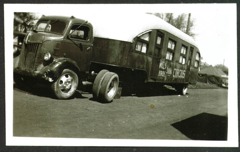 Ford Sleeper Truck Mills Bros Circus Frankfort IN 1948