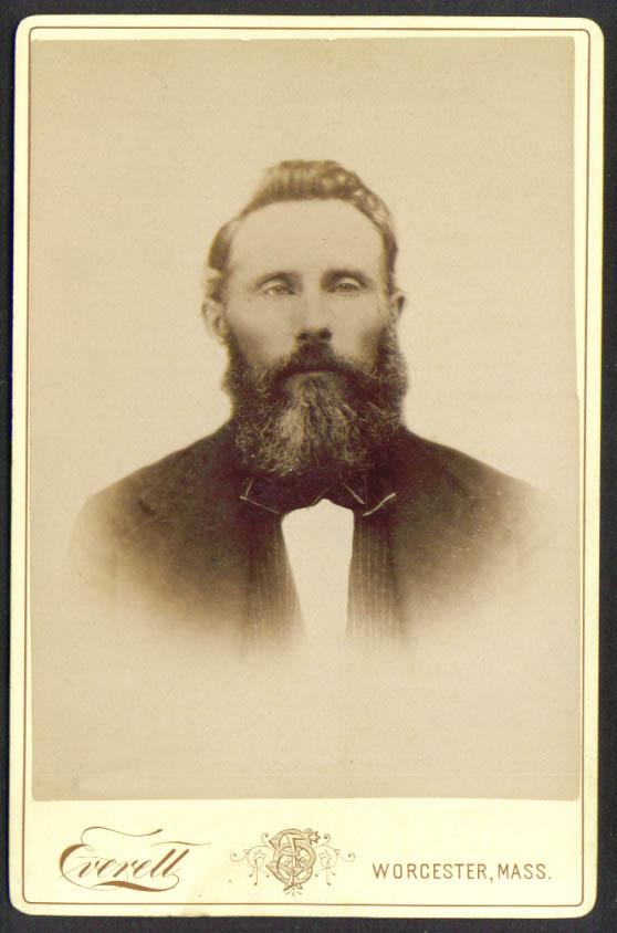 Full-bearded man cabinet card Everett: Worcester MA