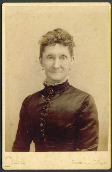 Mrs Fred Brooke cabinet card by Davis: Greenfield MA
