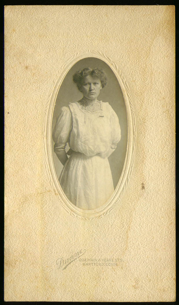 Lilian Holmquist photograph by Dunne: Hartford CT 1910s