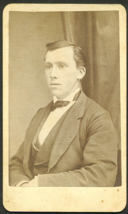Clean-shaven strong nose CDV H W Osgood Pittsfield NH