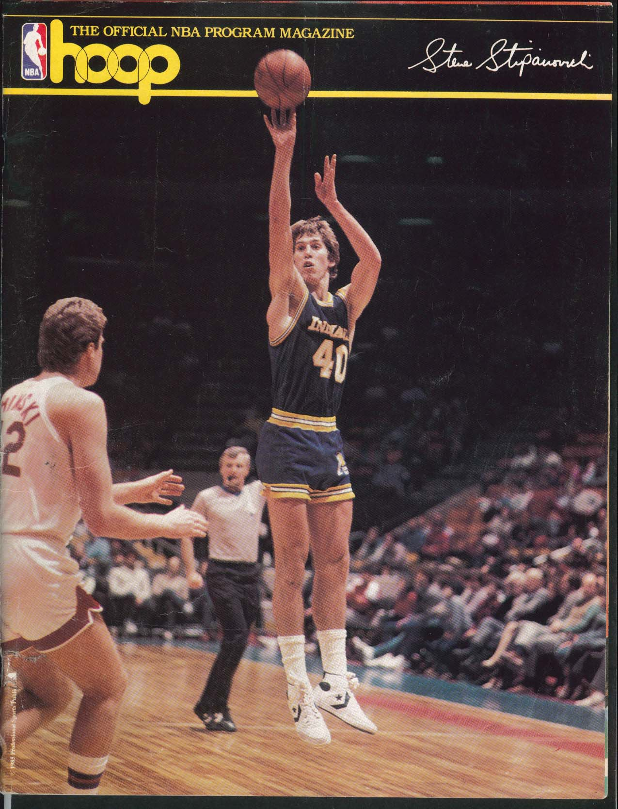 NBA HOOP Official Program Magazine Boston Celtics 1985-1986 Season