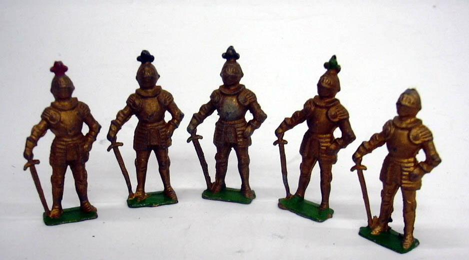 Five Cherilea lead figures medieval swordsmen England ca 1950s