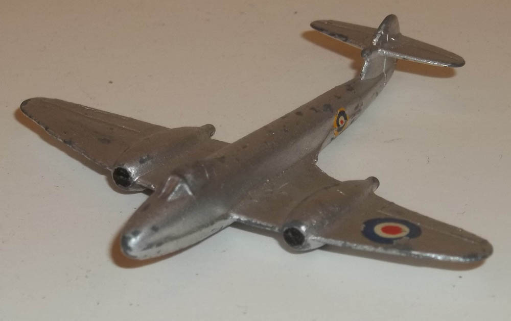 Dinky Gloster Meteor jet fighter #70e-G 1950-1953