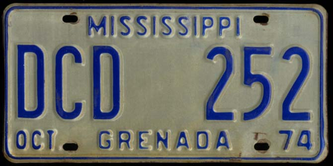 State of Mississippi Automobile License Plate DCD 252 Grenada County 10 1974