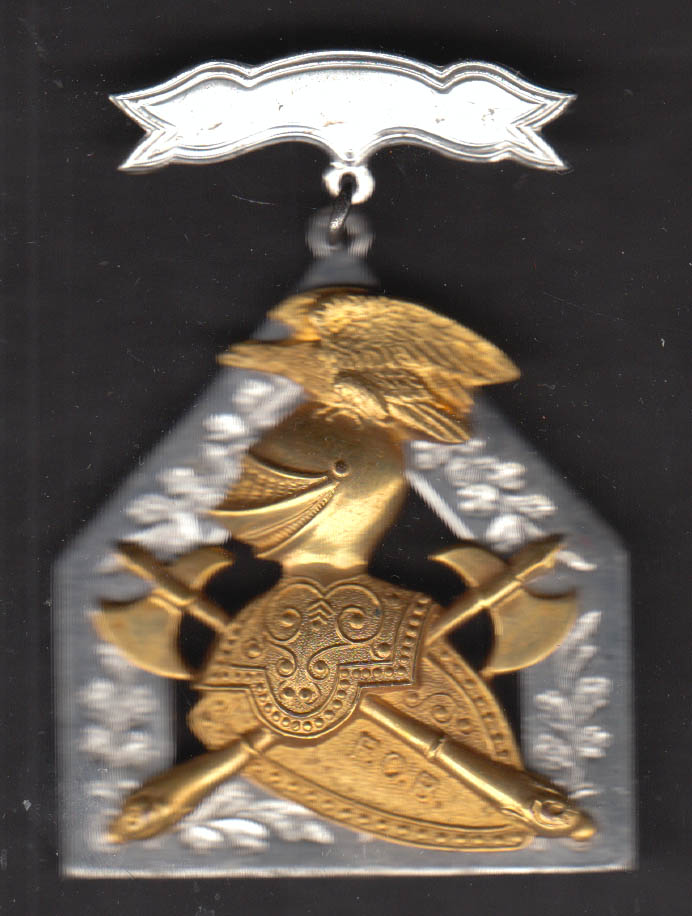 Knights of Pythias Supreme Lodge pinback silvered & gilt knight