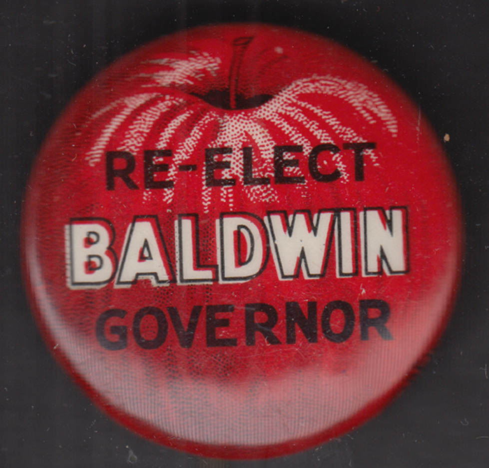 Re-Elect Raymond E Baldwin Governor of Connecticut apple pinback 1940
