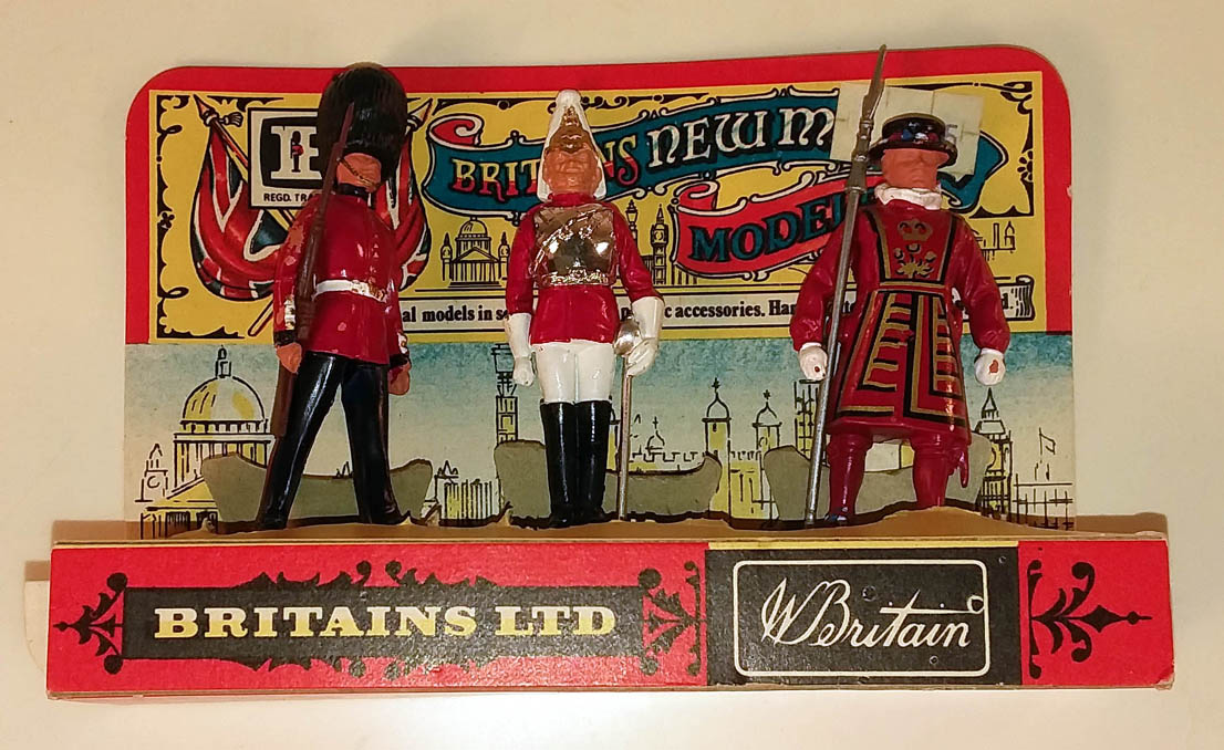 Britains Ltd New Metal Set of 3 NMIB Scots Guards Life Guard Beefeater ca 1970s