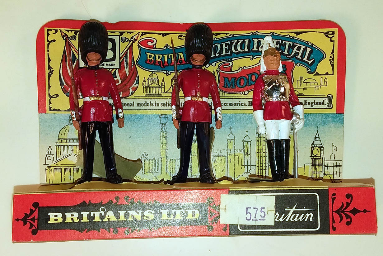 Britains Ltd New Metal Set of 3 NMIB 2 Scots Guards 1 Life Guard ca 1970s