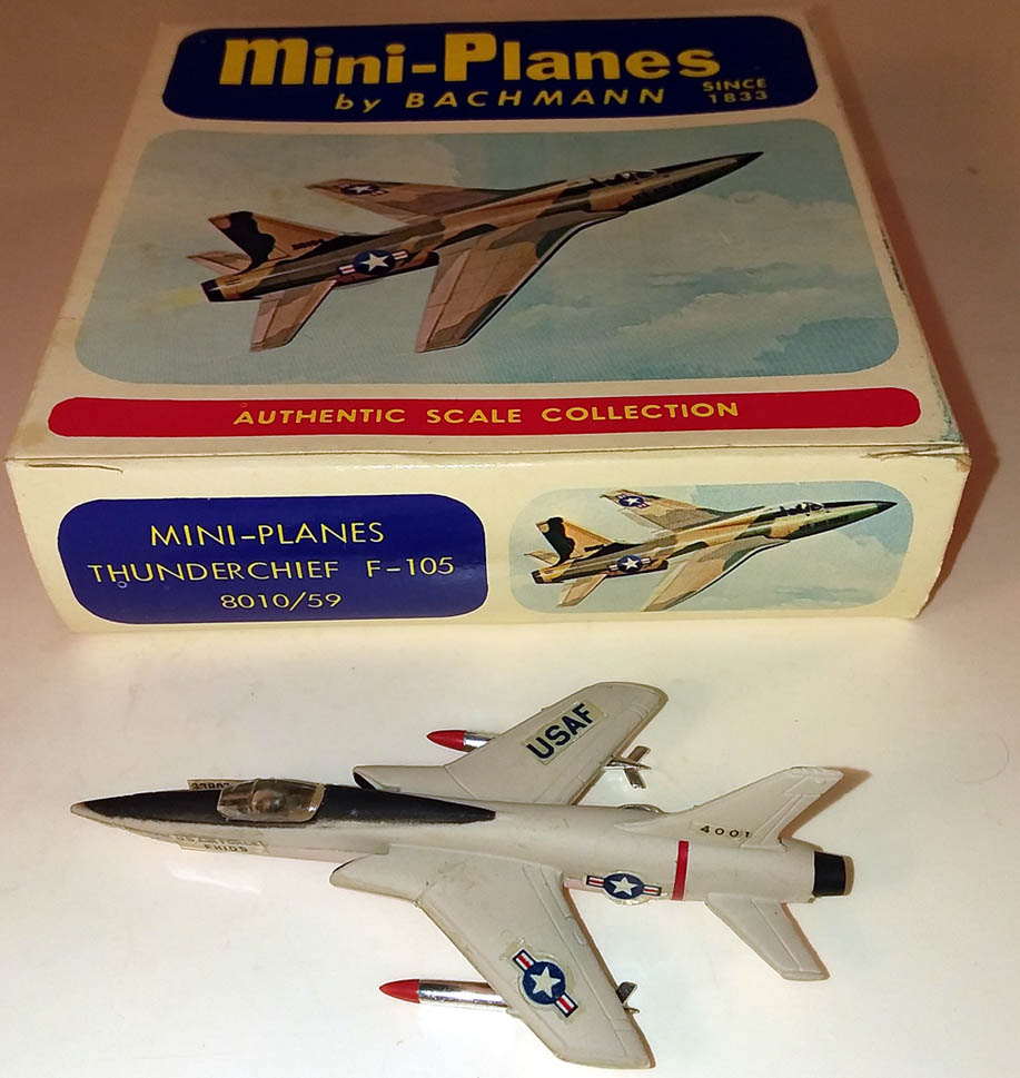 Bachman Mini-Planes Thunderchief F-105 MIB #8010 1960s