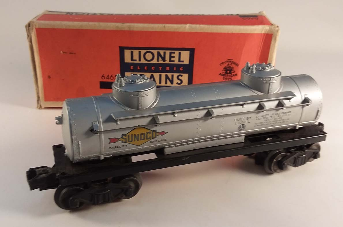 Lionel 6465 three-dome Sunoco Tank Car in worn box renumbered from 6555