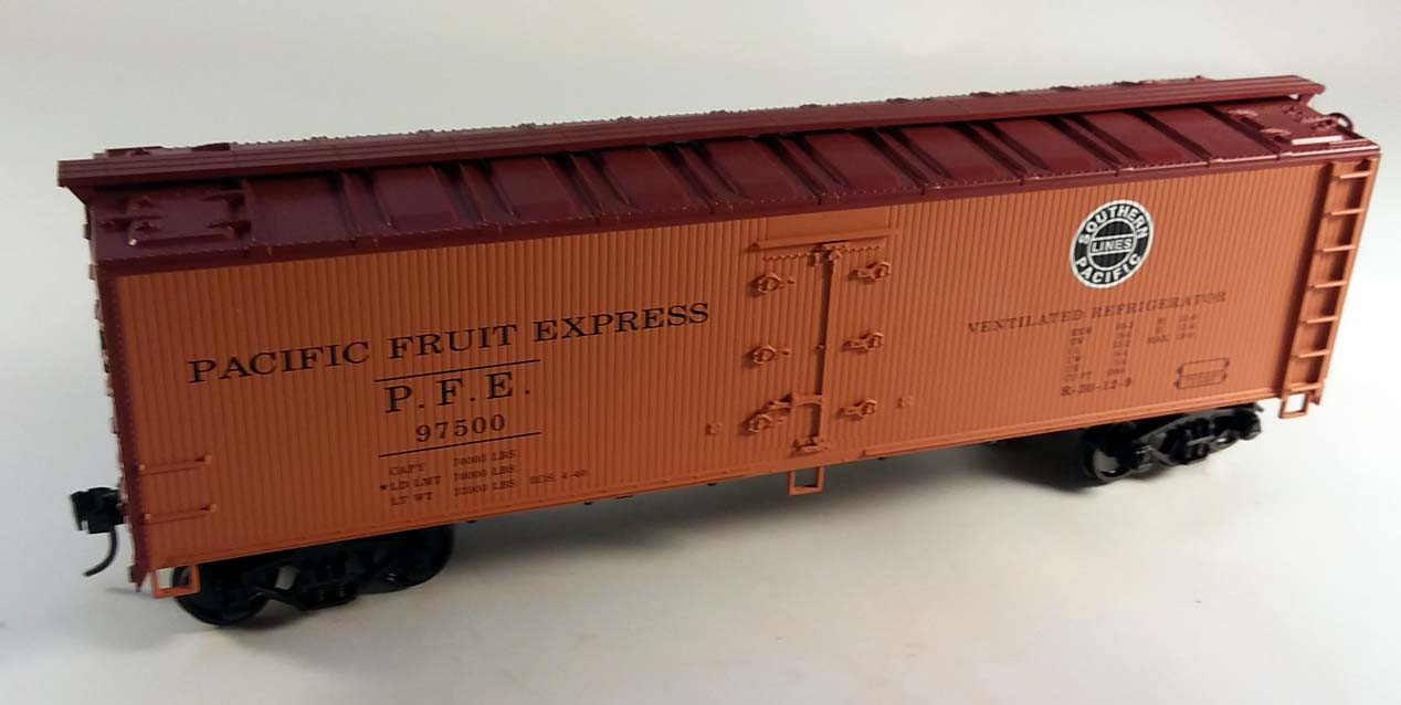 Crown Model Products Pacific Fruit Express Hi-Rail Reefer O-SCALE R-5003 NIB