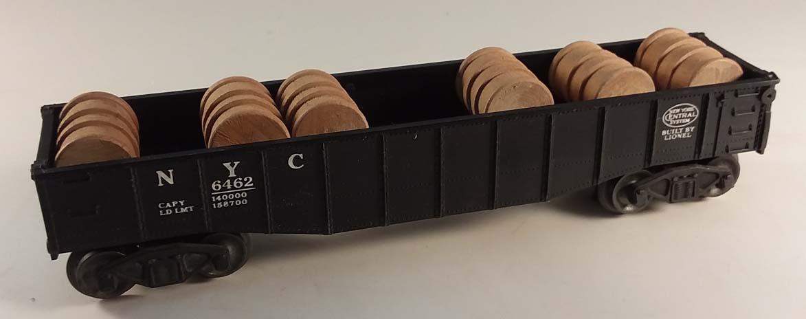 Lionel 6462 New York Central Gondola w/ 6 barrels in worn box