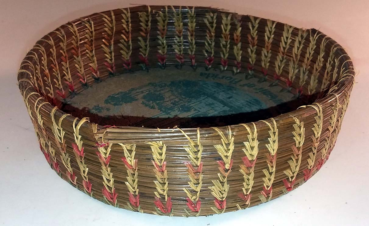 Singing Tower Souvenir of Florida woven basket with cork bottom ca 1940s