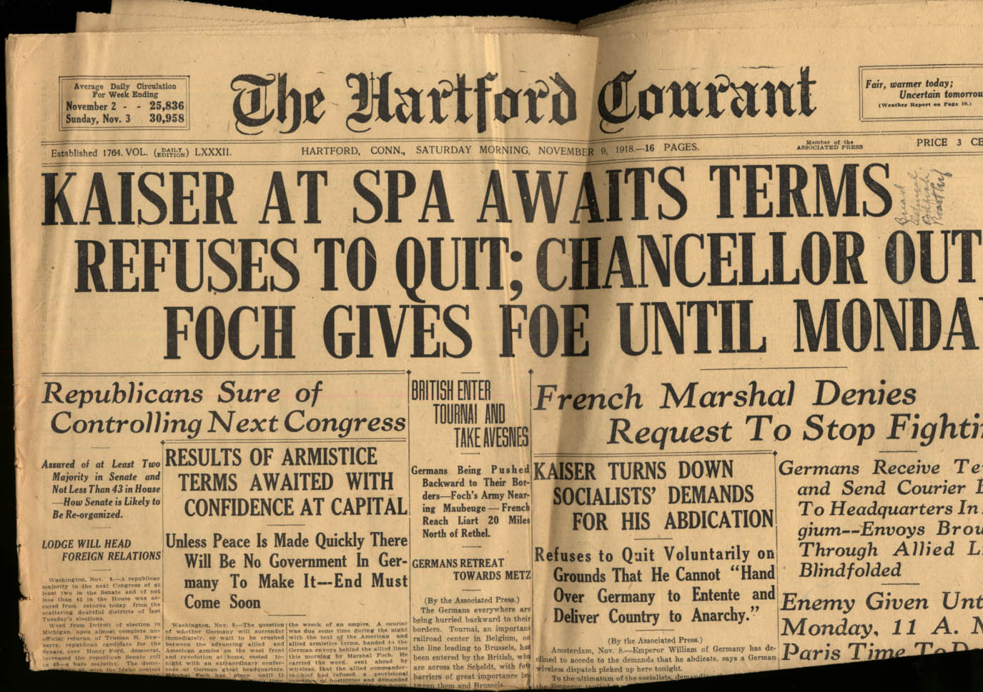 HARTFORD COURANT 11/9 1918 Kaiser Refuses to Quit; Awaits Terms