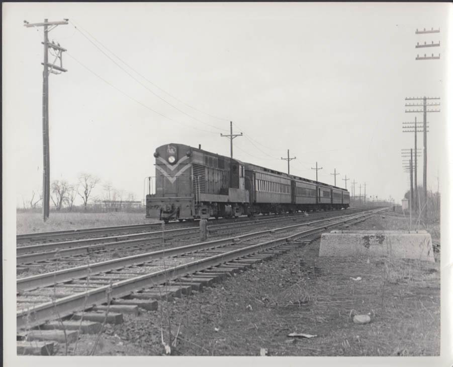 Jersey Central RR Fairbanks-Morse Diesel H15-44 #1511 commuter train photo 1966