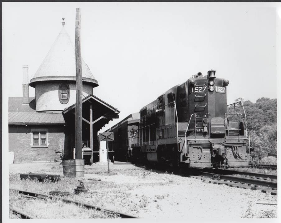 Last Jersey Central passenger train at Easton PA EMD GP7 photo 6/16 1965.