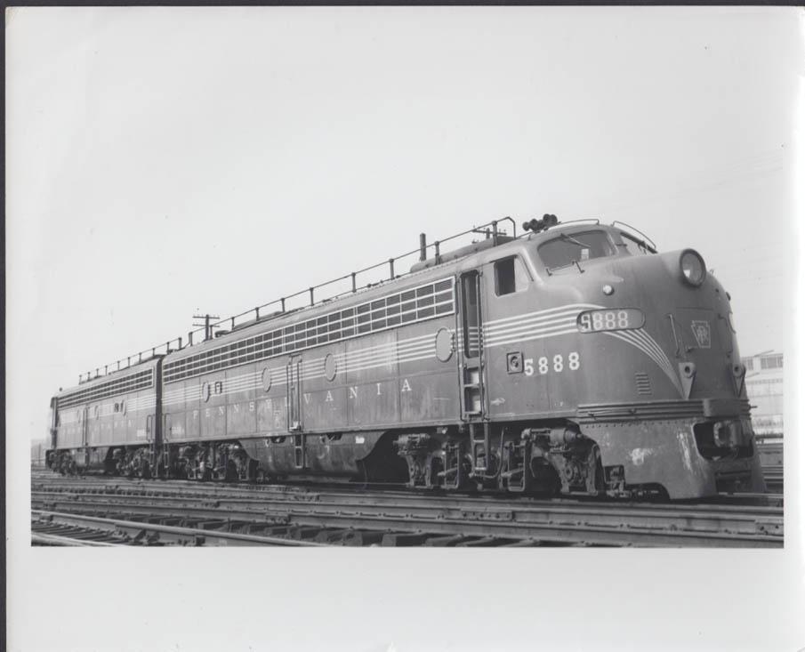 Pennsylvania RR EMD E8 #5888-5889 diesel electric locomotives photo undated