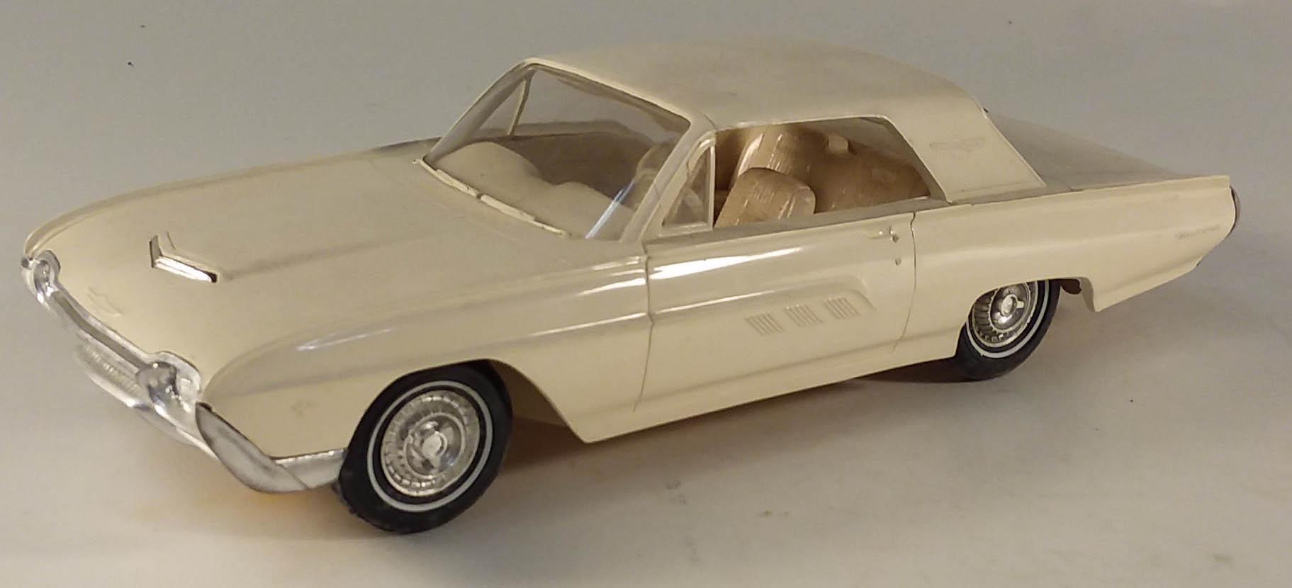 1963 Ford Thunderbird Coupe dealer promo 1/25 model