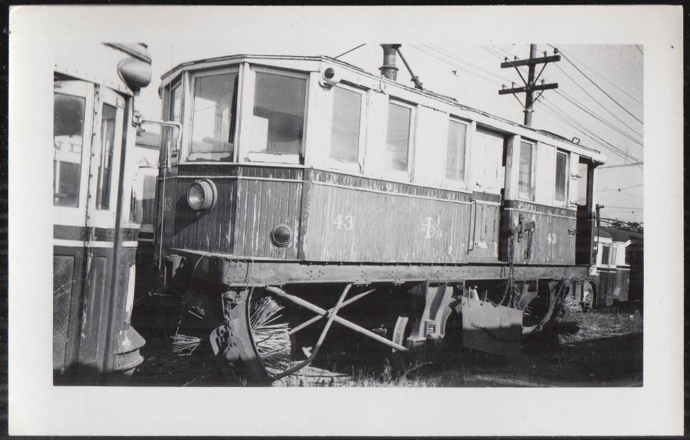 Image for Indianapolis Street Railway Sweeper Car #43 photograph