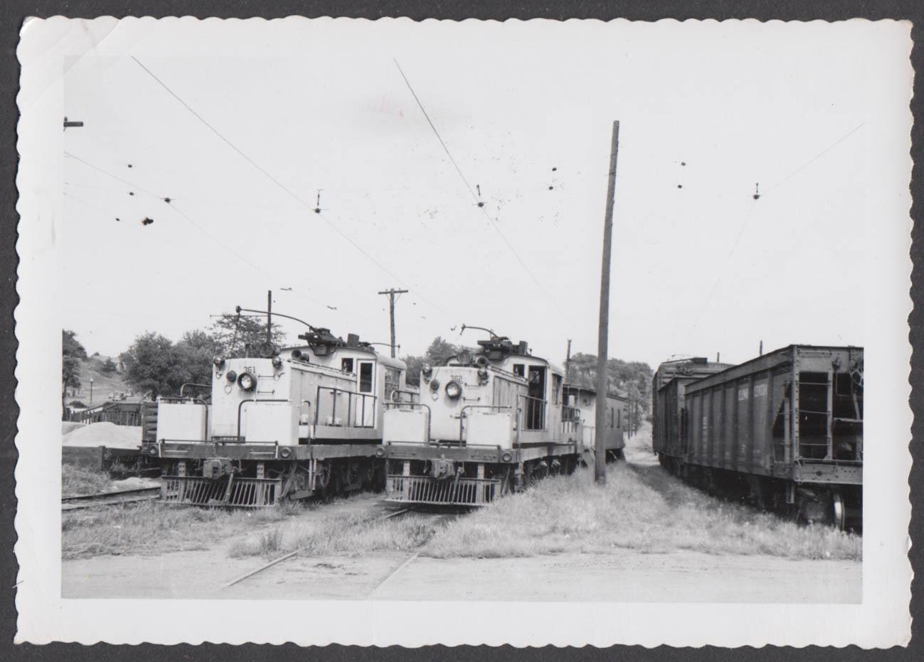 Image for Fort Dodge Des Moines & Southern Railway locomotives #361 & #362 photograph