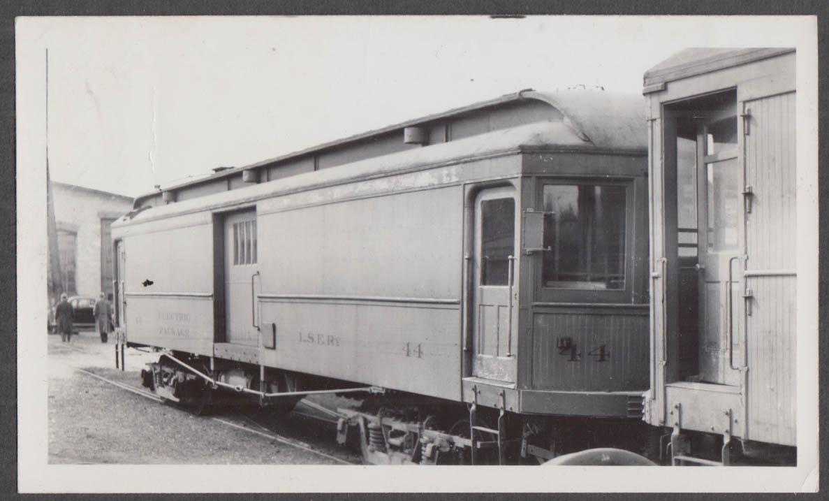 Image for Lake Shore Electric Railway Motor Car #44 at Sandusky photograph 1938