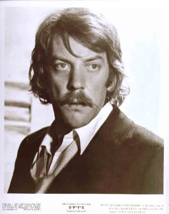 Donald Sutherland closeup: S*P*Y*S 1974 8x10 still 15