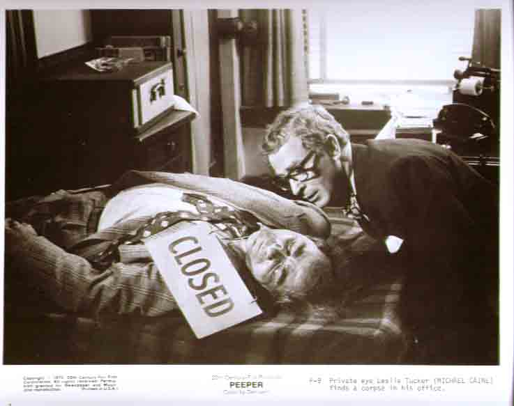 Michael Caine finds corpse: Peeper 1975 8x10 still 9