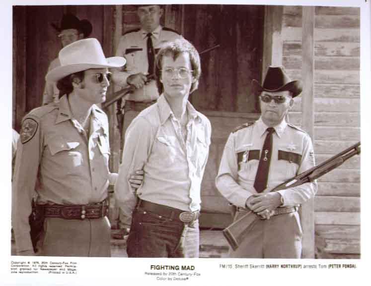Peter Fonda Harry Northrup: Fighting Mad 8x10 still 15