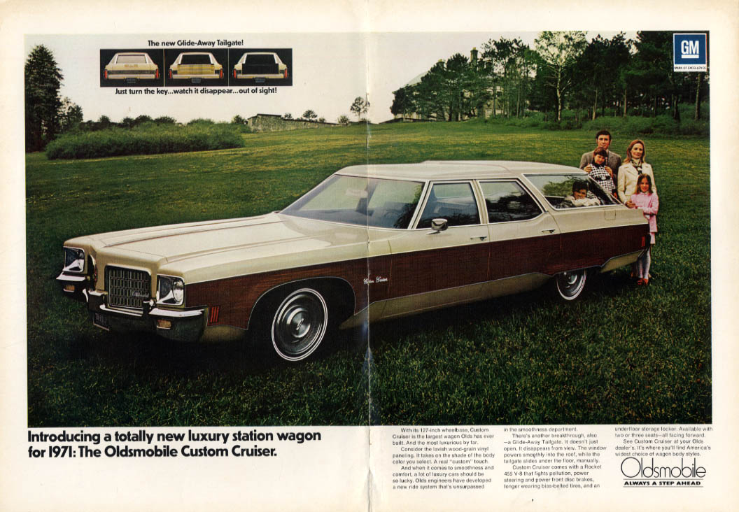 A totally new luxury station wagon: Oldsmobile Custom Cruiser ad 1971 NY