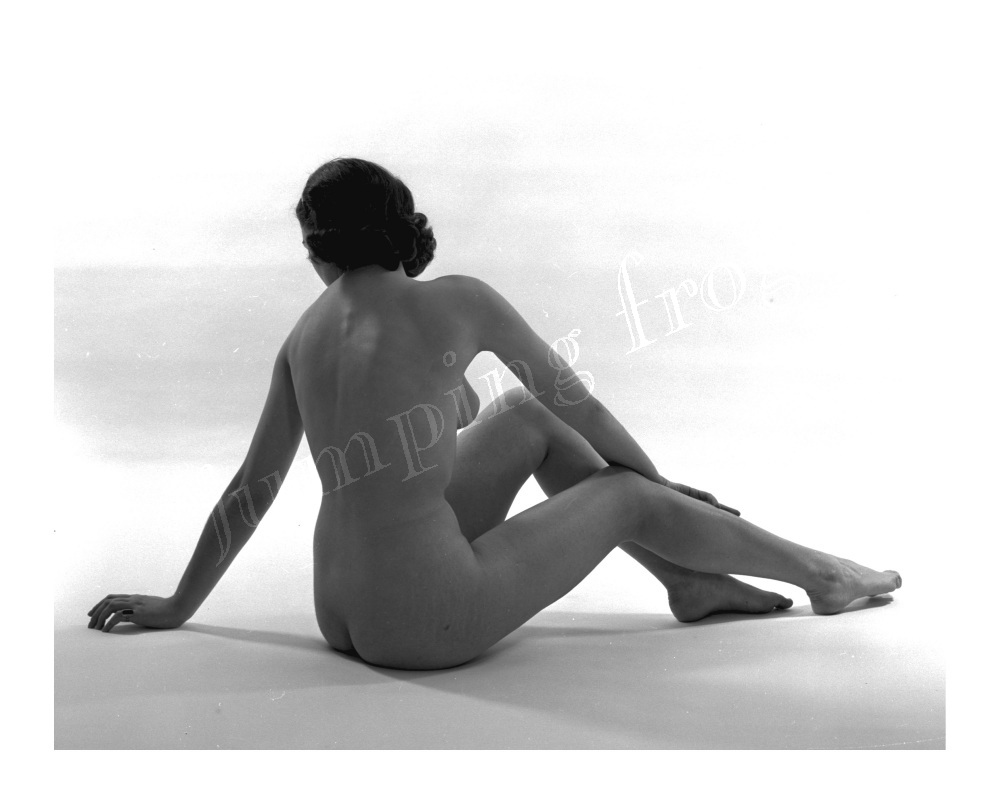 Carol rear view seated left hand out studio nude 8x10 1950s