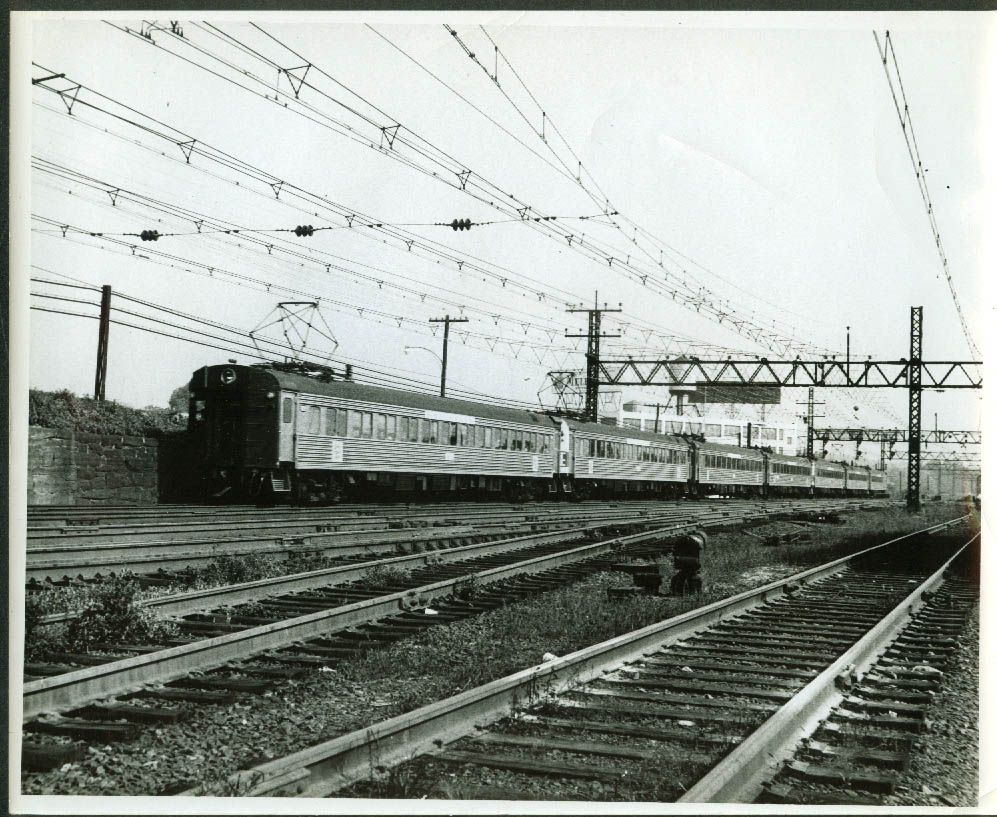New York New Haven & Hartford RR sevn-unit Pullman ACMU consist photo
