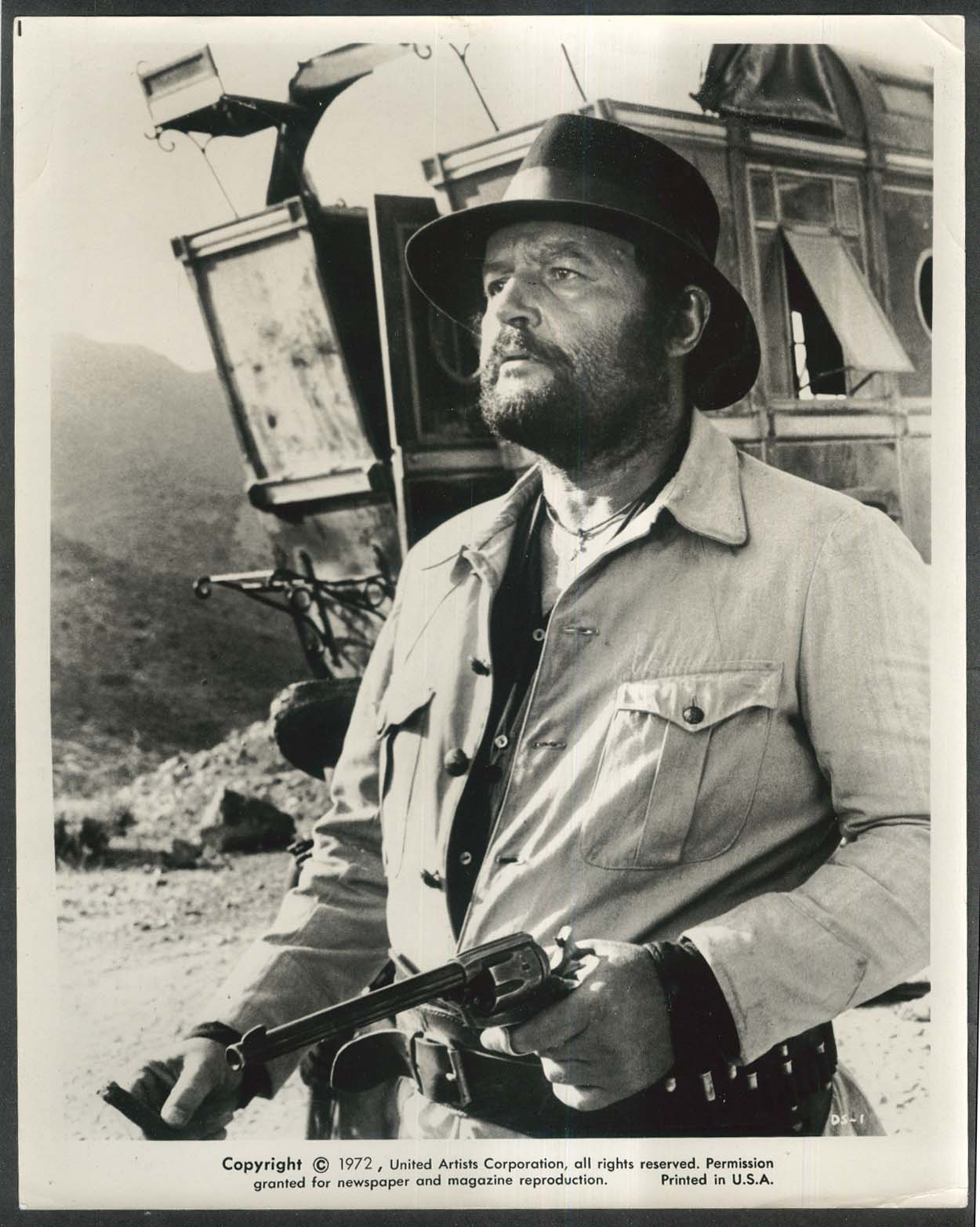 Rod Steiger holding six-shooter Duck You Sucker 8x10 photograph 1972