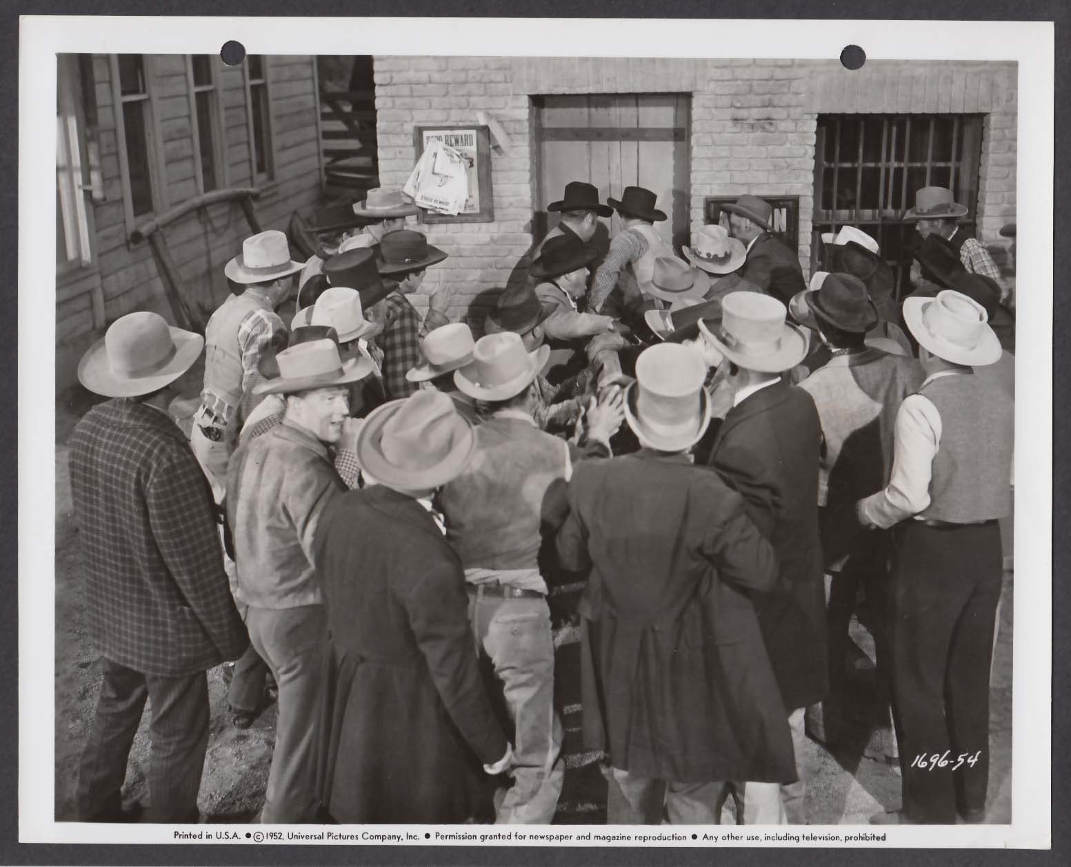 Angry mob scene in Horizons West 8x10 photo 1952