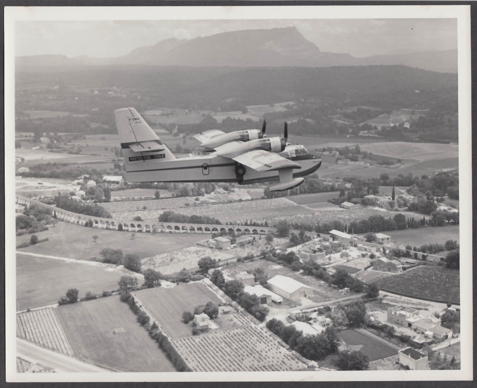 Image for Canadair CL-215 F-ZBAX in flight 8x10 photo 1969